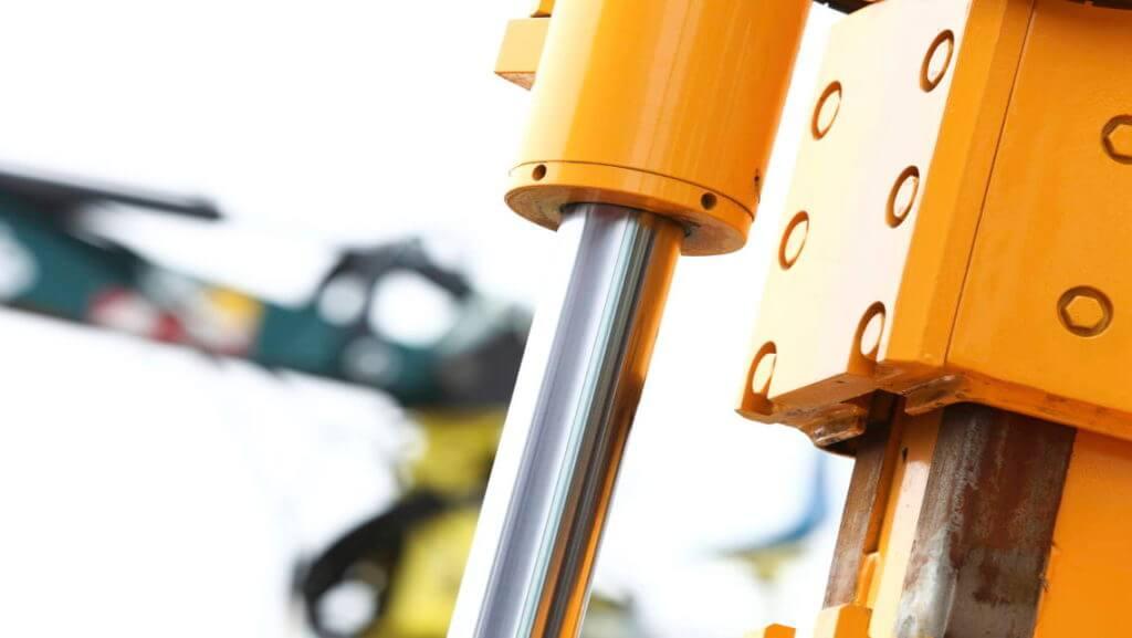 Фирмата предлага ремонт на хидравлични изделия.